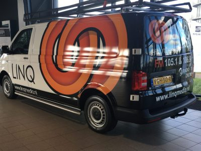 Carwrap op VW transporter voor Linq Media