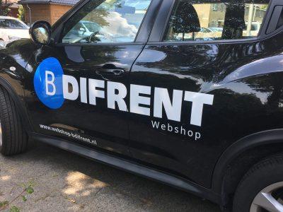 Auto van B-Difrent de belettering aangepast